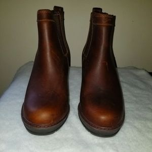 Timberland Ladies leather wedged booties